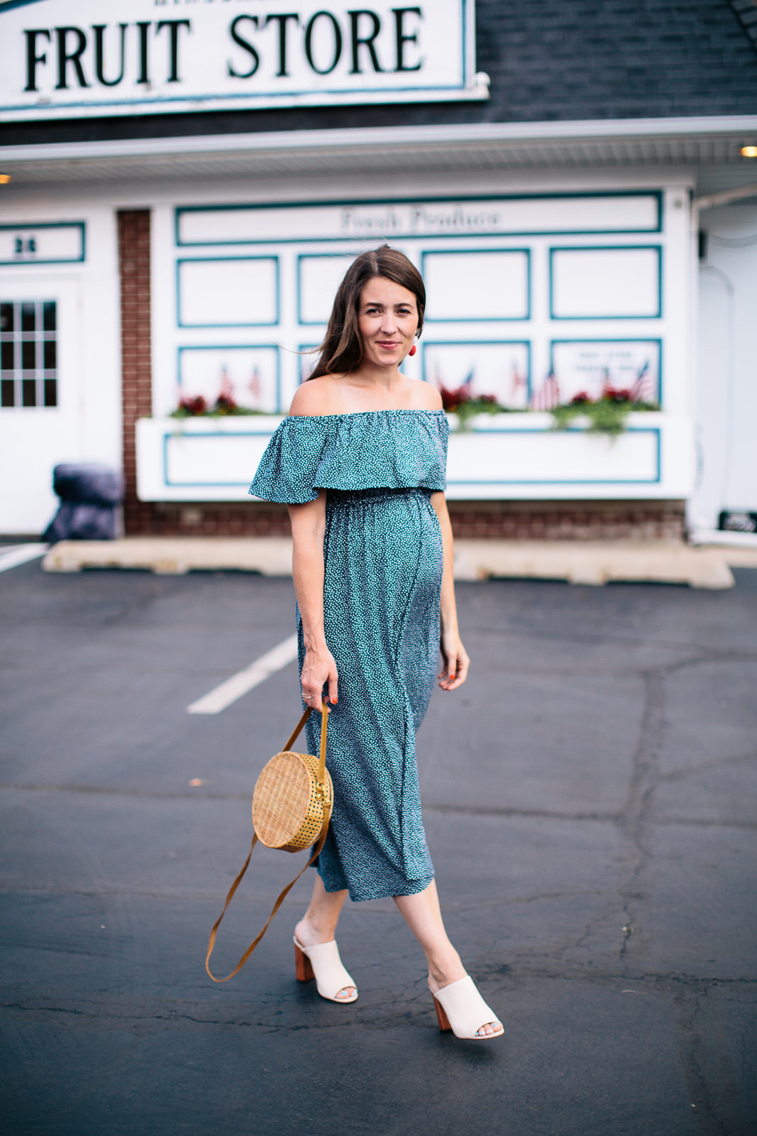 5 Stylish Maternity Brands You\'ll Actually Love - Sequins & Stripes